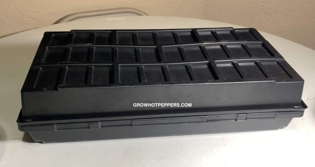 microgreen tray with blackout cover